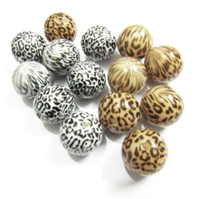 Wholesale New Design 20mm 100pcs/lot  Acrylic White/ Light Brown Leopard printed Beads For Fashion Jewelry