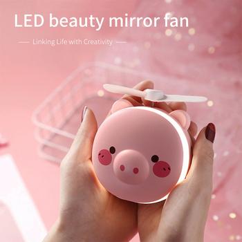 Mini przenośne akcesoria do makijażu lustro z oświetleniem LED Cartoon z składany wentylator USB ładowanie naturalne jasne regulowane lustro do makijażu urody tanie i dobre opinie Z tworzywa sztucznego Podświetlany Nieregularne Nowoczesne Other Pig beauty mirror usb mini portable small fan Wyposażone