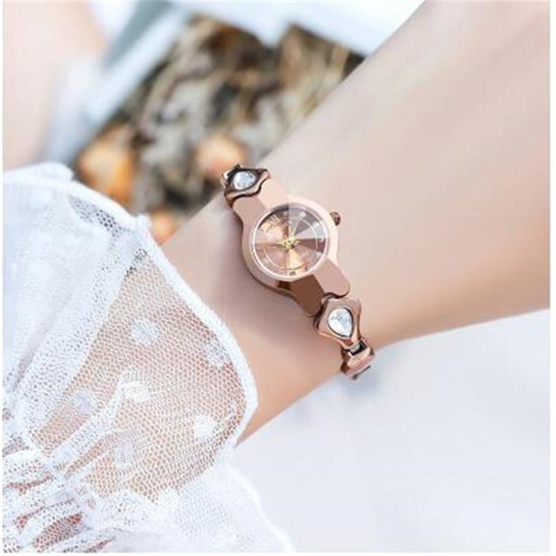 Mode Diamants Montre Femme Cadran décontracté Or Bracelet En Acier À Quartz Étanche montre pour femme cadeau pour les femmes