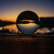 Boule de lentille de cristal de photographie de 50/60/70/80/90/100/110mm boule de verre magique claire de Quartz asiatique avec le sac portatif pour le tir de Photo