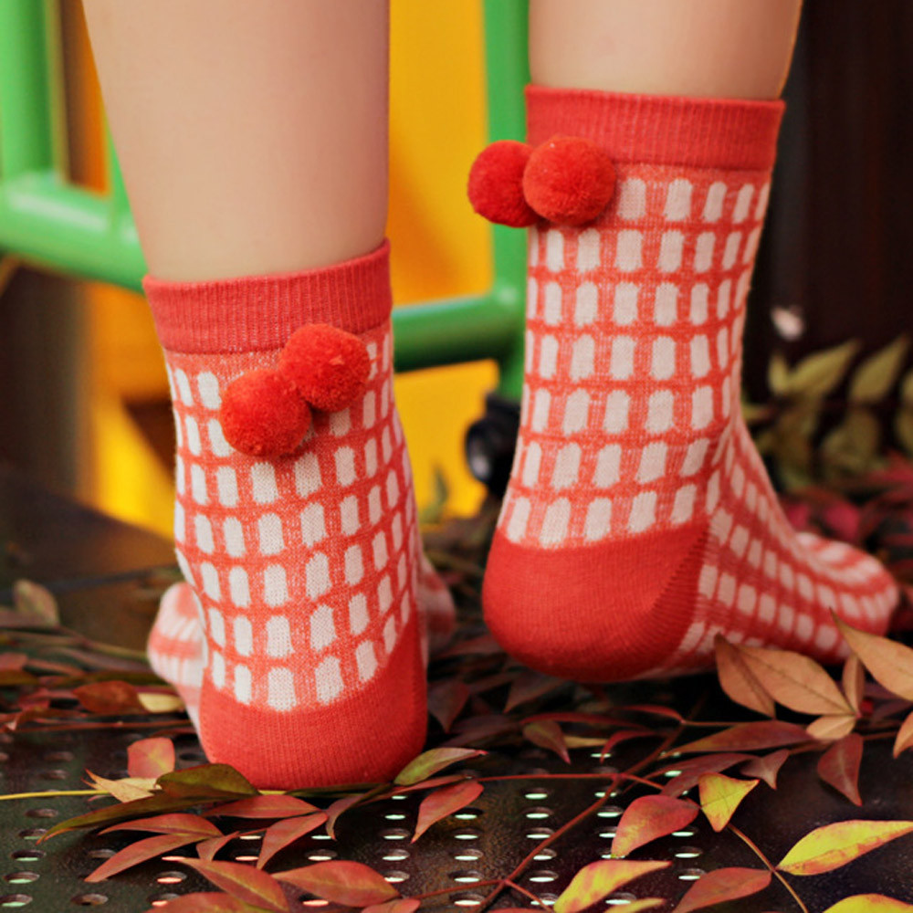 Women Cotton Socks Winter Warm Dot Plaid Printing With Ball Cute Sweet Mid Tube Fashion Thicken Soft Comfortable Sock