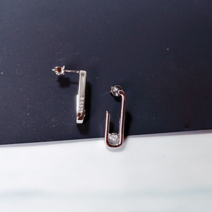 Image 2 - SLJELY Fashion Solid 925 Sterling Silver Gold Color Pink Safety Pin Stud Earrings with Moving Zircon Stone Women Brand Jewelry
