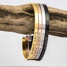 Personalize coordene presentes personalizados da pulseira do punho de aço inoxidável 4mm para a amizade da família