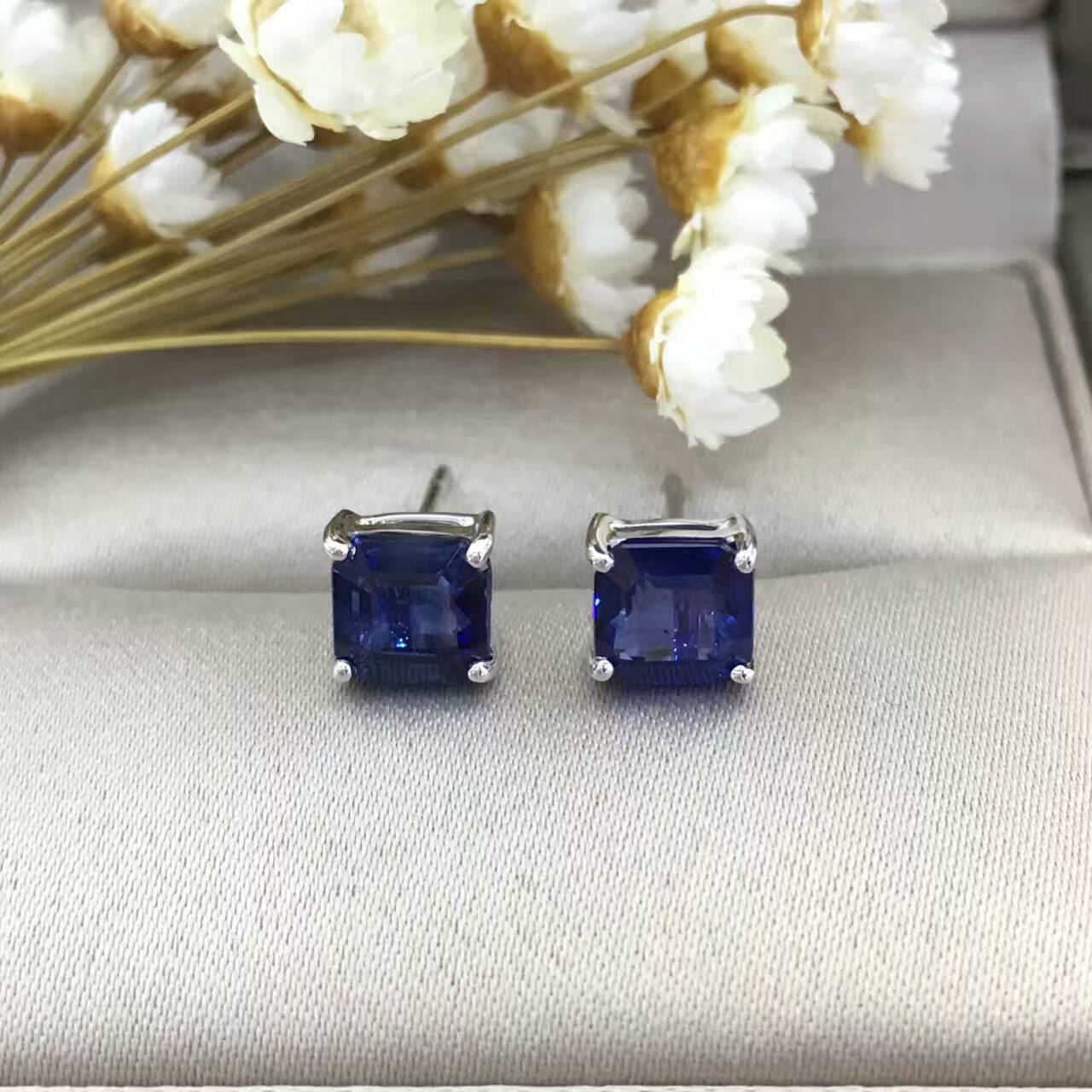 18K Gold 2.038ct Natural Sapphire Stud Earrings for Women Diamond Encrusted Free Shipping