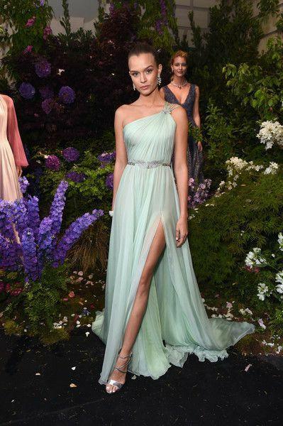 Long One Shoulder Chiffon Celebrity Inspiration Dresses with Slit A-Line Robe De Soiree Floor Length Light Blue Formal Dresses
