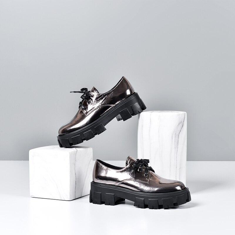 Wetkiss miroir cuir à lacets chaussures plates antidérapantes chaussures épaisses en caoutchouc plate-forme chaussures Vintage collège Style chaussures plates femmes 2020 - 5