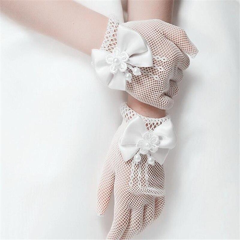 Изысканные белые кружевные ажурные перчатки с искусственным жемчугом для причастия, с цветочным узором для От 4 до 15 лет девочек, детские св...