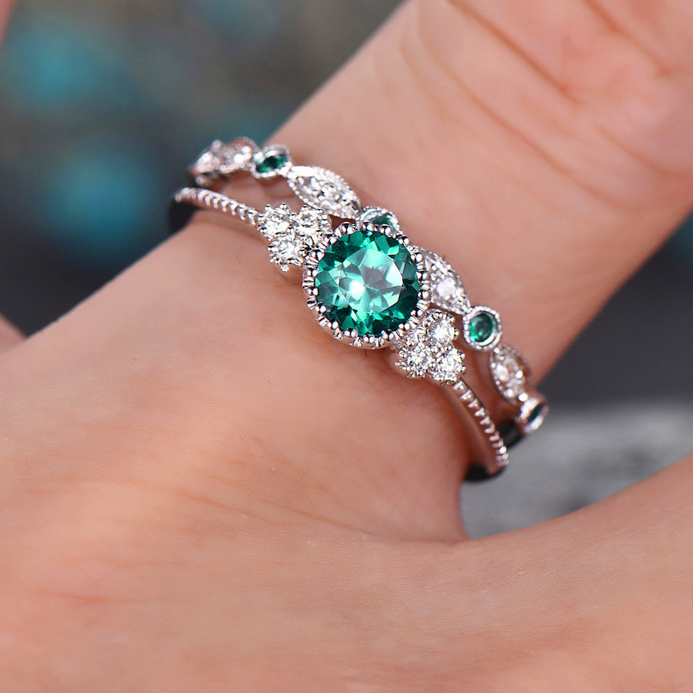 2Pcs/Set rings 2019 New Luxury Green Blue Stone Crystal Rings For Women Sliver Color Wedding Engagement fashion Jewelry