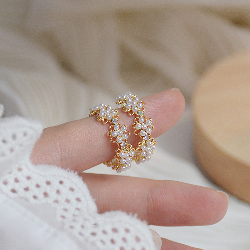 Romantic High Quality Lace Pearl Women Earrings Charm Bella Exquisite Pearl Stud Earring Wedding Accessories Pendant Jewelry