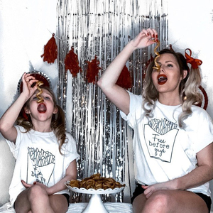 ; Костюмы в стиле «Мама и я»; Одинаковые платья для мамы и дочки рубашка надпись