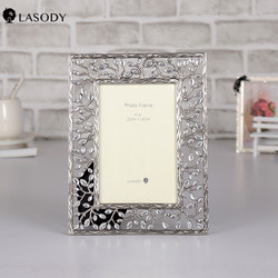 LASODY Alloy Photo Frame Antique silver 4x6 Picture Frames Christmas Souvenir Father Day Birthday Gift Creative Home Decoration