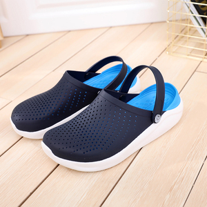 2020 Men Sandals Summer Hole Shoes Rubber Clogs Men EVA Unisex Garden Shoes Black Beach Flat Sandals Slippers Zapatos Hombre