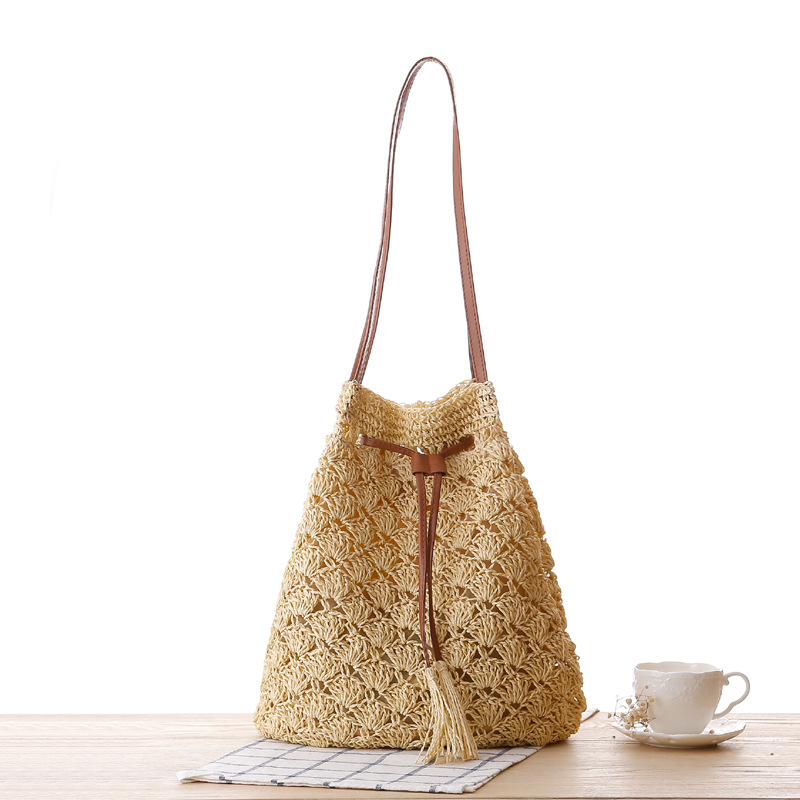 Women Summer Woven Rattan Bag Straw Shoulder Bag Tassel Hollow Beach HandBags Handmade Drawstring Bag Crossbody Bags