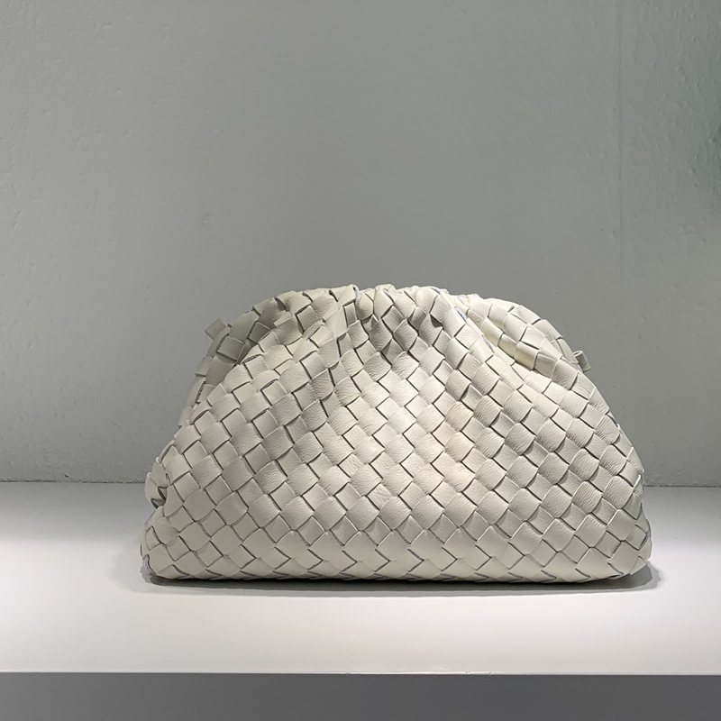 New cowhide woven bag cloud bag leather pleated bag shoulder slung dumplings bag clutch bag handbags street shopping bag