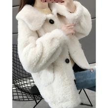 Jesienno-zimowa 2021 nowa zagęszczona damska luźna koreańska wełna jagnięca kurtka futro Top Outwear jednorzędowy ciepły odzież damska tanie tanio CN (pochodzenie) Zima REGULAR Osób w wieku 18-35 lat Skręcić w dół kołnierz Pojedyncze piersi Anglia styl Pełna coat