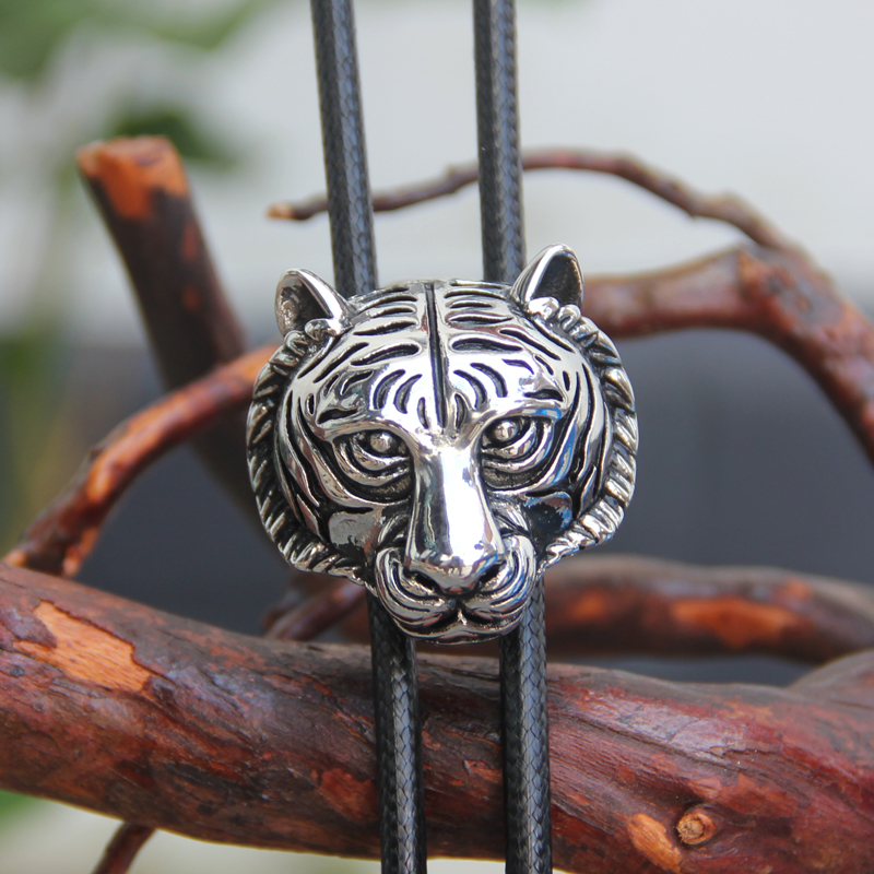 Original Design Bolotie Stainless Steel Tiger Head Shape Pendant Bolo Tie For Men Personality Neck Tie Accessory