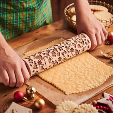 Printed Rolling Pin Durable Natural Wooden Roller Pin Baking Tool Embossing Tool for Bread/ Pizza etc. Christmas Pattern Rollers