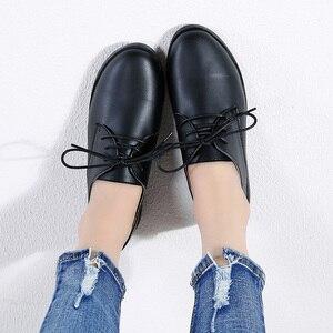 Image 4 - STQ zapatillas de deporte informales de Invierno para mujer, zapatos de cuña de cuero genuino con cordones, planos de Ballet, 9935