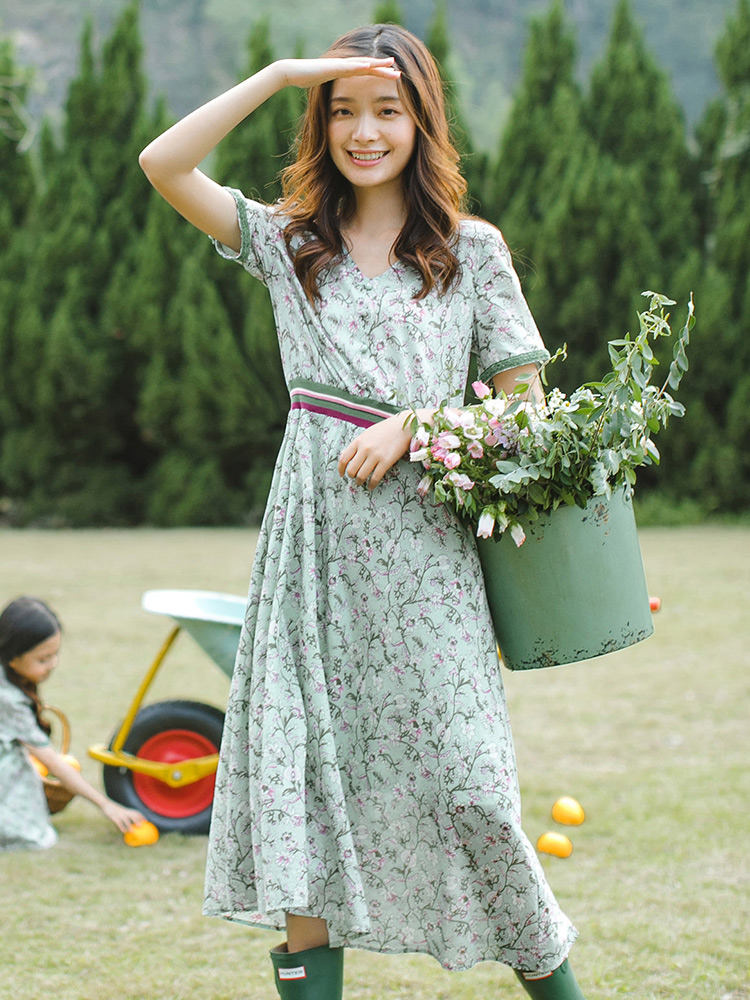 INMAN 2020 Summer New Arrival Floral V-neck Contrast Color Literary Nipped Waist A-line Dress