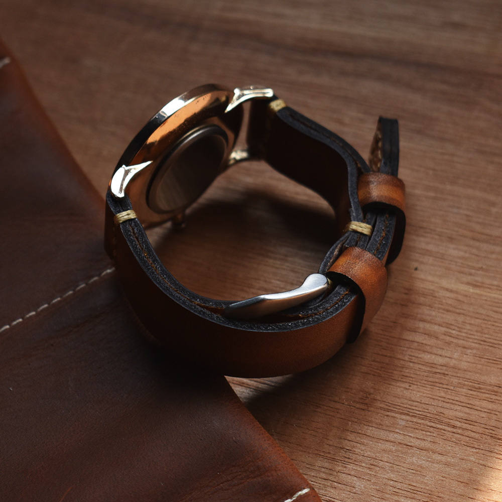 Handmade Antique Vegetable Tanned Leather Watch Strap Hidden Buckle Design Hand Stitching Thick Sturdy Leather Watchband 22mm