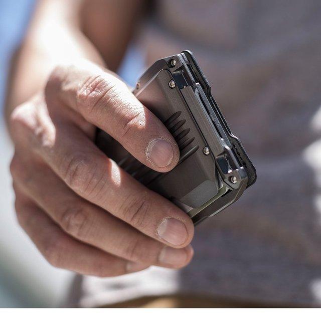 2021 New Fashion RFID Metal Cardholder Wallet Men Business Badge Credit Card Holder Small Aviator Minimalist Wallet for Card Man 5