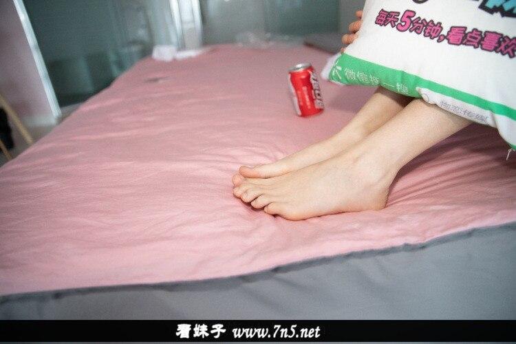 物恋传媒作品:落落-荷叶边加白色高筒袜卡哇伊[116P/1.58G]