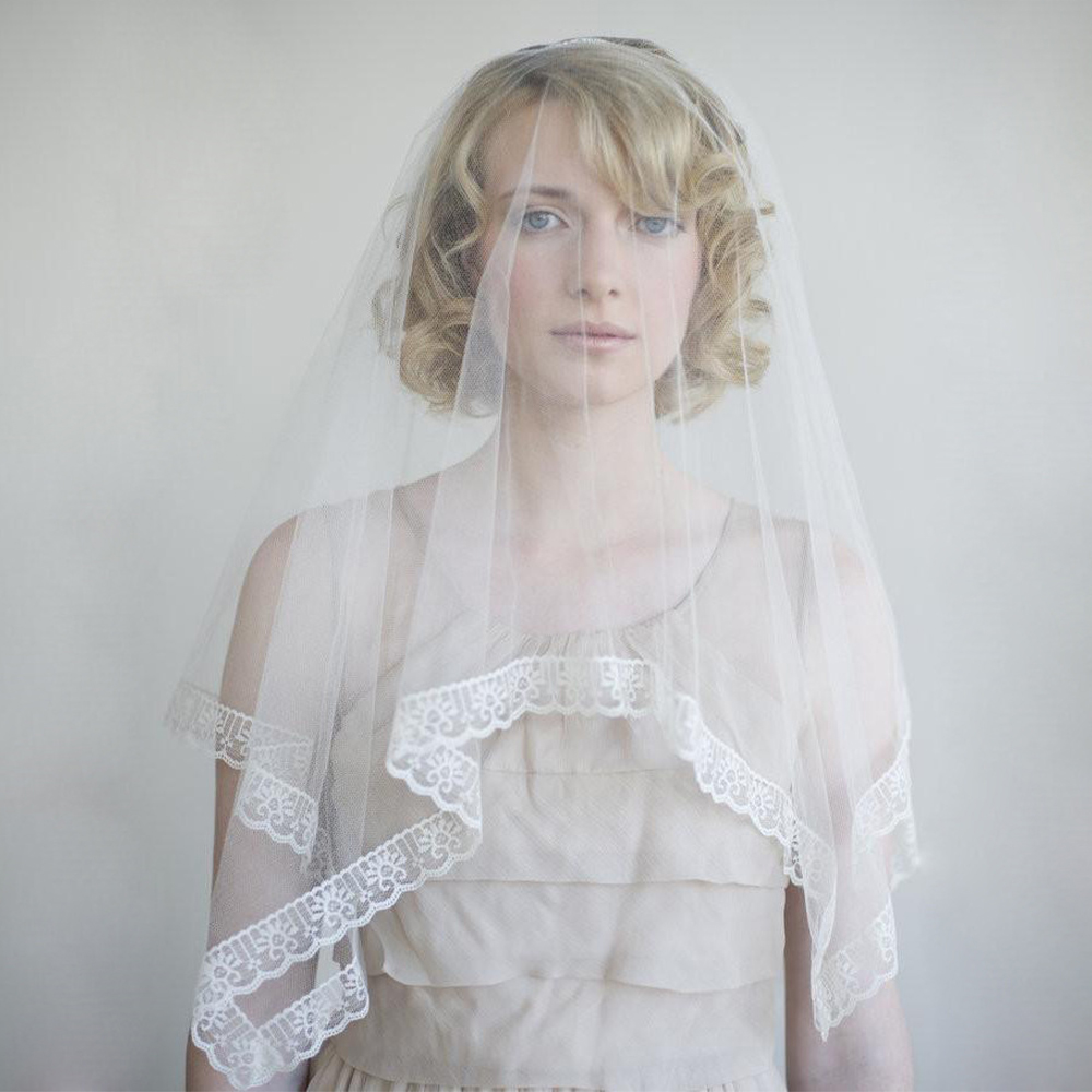 Women Rectangle Wedding Bridal Veil Lady Lace Edge Elegant Long Fingertip Veil Ivory Simple One-layer Tulle Headpiece Accessory