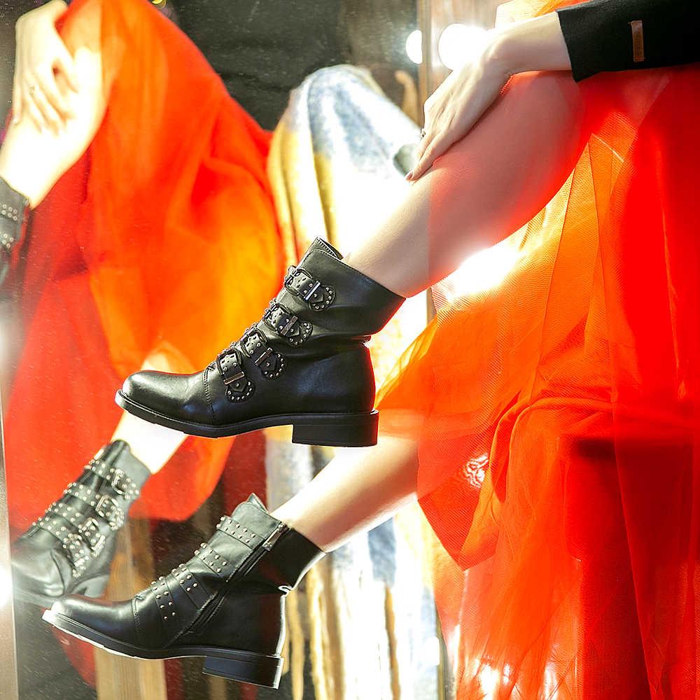 Nữ Da Mắt Cá Chân Giày Mùa Thu Đinh Tán Khóa Giày Boot Cổ Ngắn Cho Nữ Đế Bằng Thời Trang Phụ Nữ Đen Mùa Đông Punk Chân Ô Tô Xe Máy 2020
