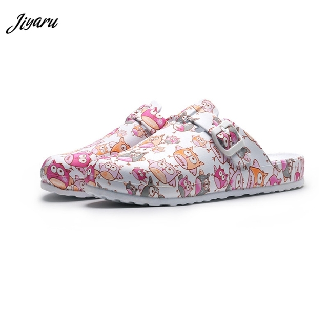 Hot Top Women Slippers Cartoon Girls Operating Room Slipper Summer Female Beach Shoes Doctor Surgical Shoes Non slip Nurse Shoes