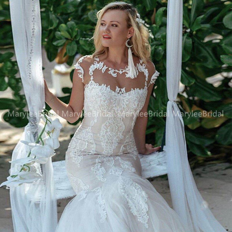 Sexy Mermaid Wedding Dress Sheer Scoop Neck Lace Appliques Cap Sleeves Bridal Gowns Robe See Through Buttons Back Robe De Mariee