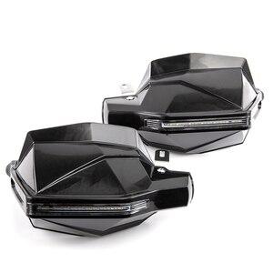 Image 2 - Universal motocicleta guardas de mão com led turn signal luz protetores para suzuki burgman 400 gs1000 gs500e gs550m katana