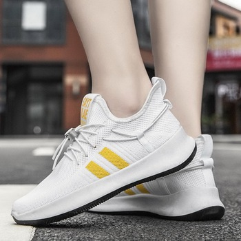 Men Casual Shoes Breathable Outdoor Mesh Light Sneakers Male Fashion Casual Shoes New Comfortable Casual Footwear Couple Shoes