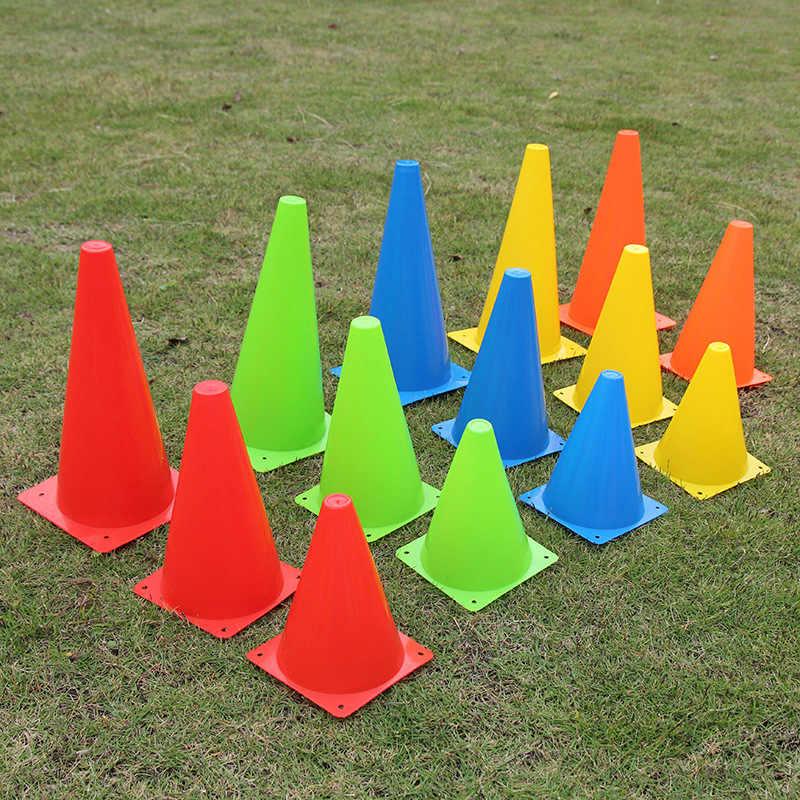Estádio esporte slalom obstáculo futebol rugby formação cone cilindro de futebol ao ar livre trem obstáculos para patinação de rolo