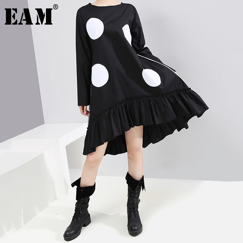 [EAM] Women Dot Printed Pleated Asymmetrical Dress New Round Neck Long Sleeve Loose Fit Fashion Tide Spring Autumn 2020 1K472