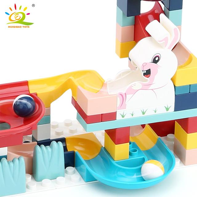 HUIQIBAO 152PCS Animals Marble Race Run Big Building Blocks Duploed size large Bricks Set with baseplate Children kids Toys gift