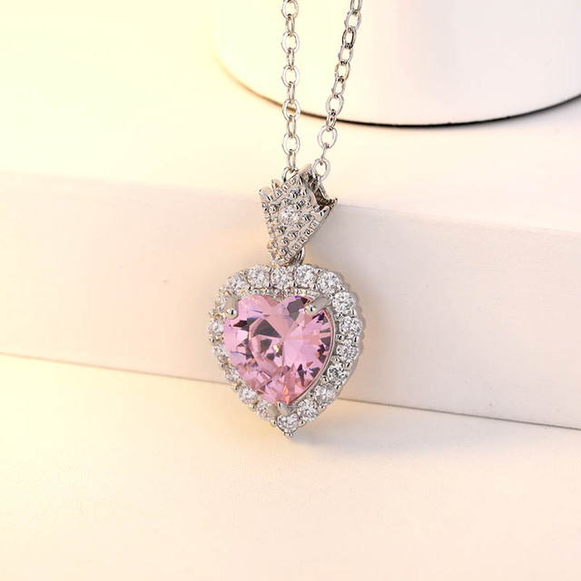 Simple Heart Shaped Pendant Necklace for Women  3