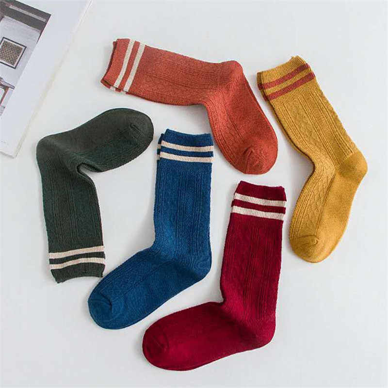 Mode Gestreiften Lange Socken Frauen Baumwolle Socke Japanischen Hohe Schule Mädchen Nette Socken Winter Dicke Socke Lässige Warme Lange Socken neue