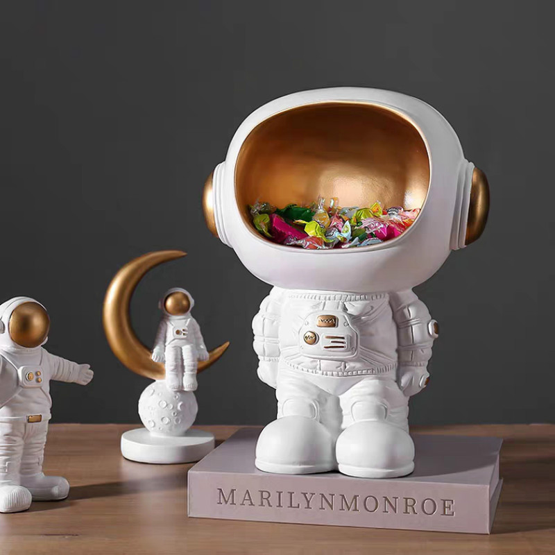Nordic Creative Astronaut Status Ornaments Storage Modern Living Room Decor Wine Cabinet Desktop Decorations Spaceman Cartoon