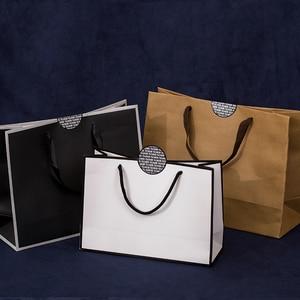 Image 3 - 10 個大白とクラフト紙包装袋衣服のギフト紙袋ハンドル小さな黒紙ショッピングバッグ