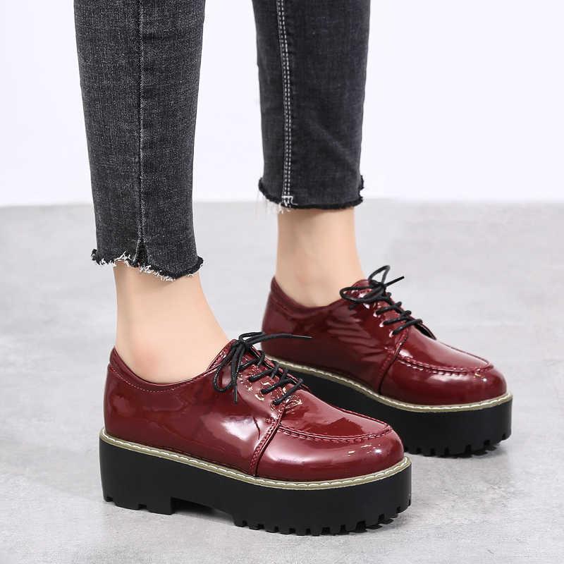 O16U Sonbahar kadın flats kadın deri platformu sneakers ayakkabı kadın lace up Oxfords Punk rahat düz sürüngen moccasins ayakkabı