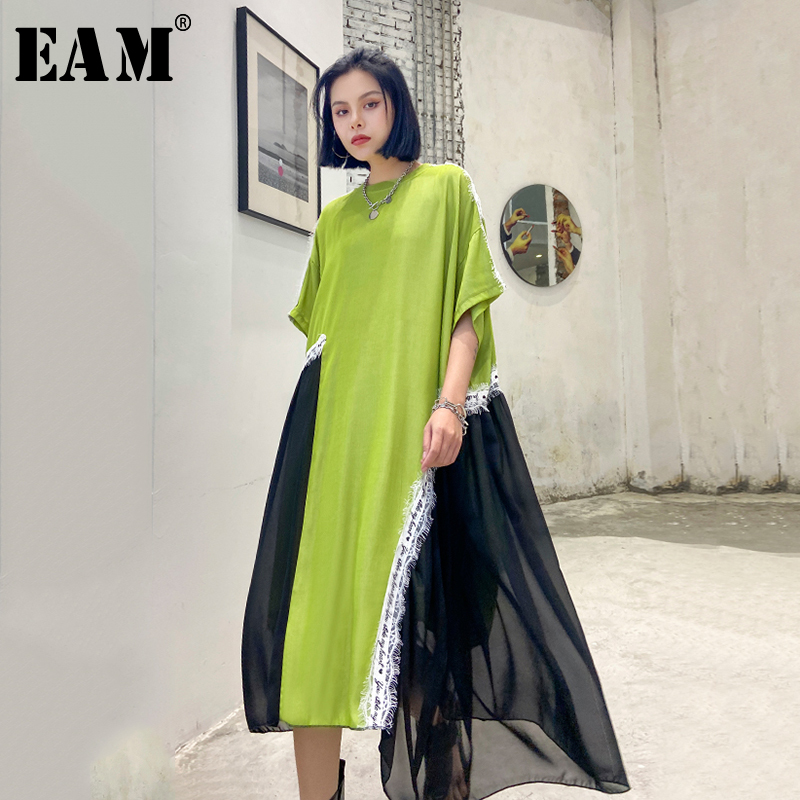 [EAM] Women Green Chiffon Asymmetrical Big Size Dress New Round Neck Half Sleeve Loose Fit Fashion Tide Spring Summer 2020 1U005