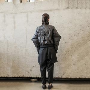 Image 5 - [EAM] سترة فضفاضة تناسب حجم كبير أسفل جديد الوقوف طوق طويل الأكمام الدافئة المرأة سترات الموضة المد الربيع الخريف 2020 1H291