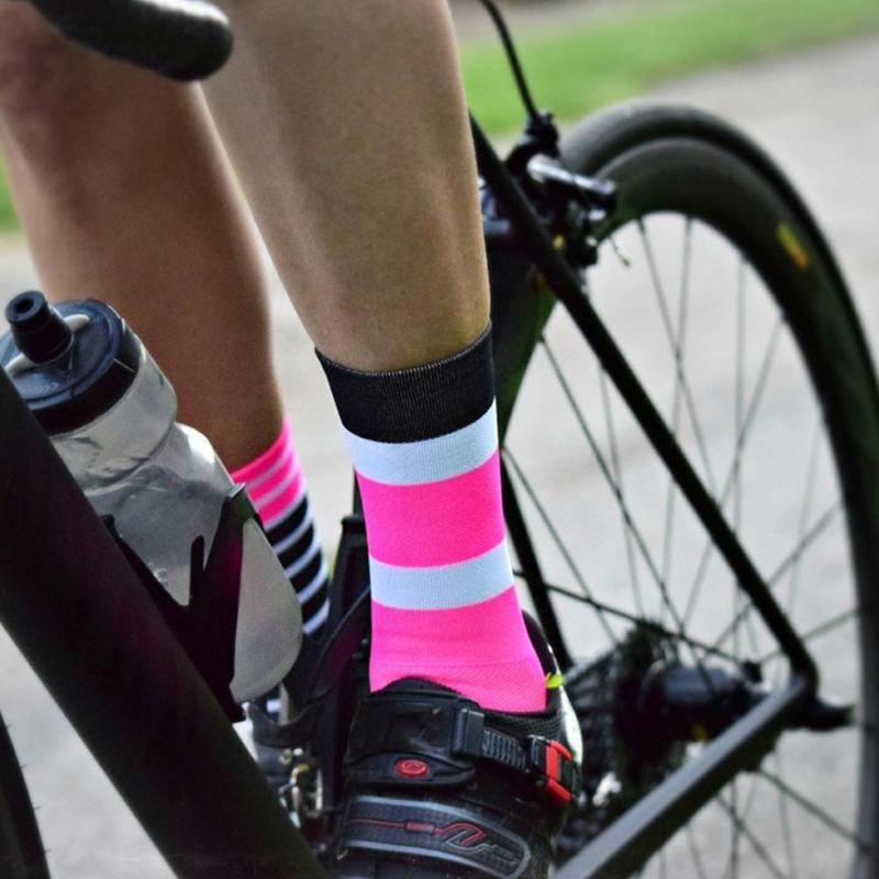 Wear-resistant Sports Socks Smooth Surface Not Easy To Damage Deformation Cycling Basketball Socks Printing Sports Running