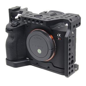 Image 2 - A7R4 כלוב פרו A7R IV מצלמה כלוב עבור Sony A7R סימן IV מצלמה W/1/4 3/8 חוט חור למעלה ידית מיקרופון פלאש אור סגסוגת