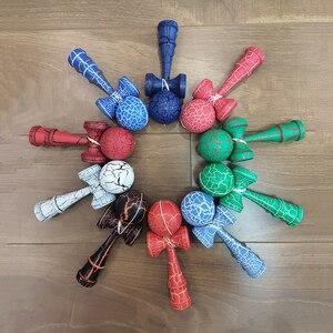 Image 1 - 18CM Riss Farbe Holz Kendama Ball Geschickte Jonglierball Spielzeug Japanischen Traditionellen Zappeln Ball Kinder Erwachsene Freizeit Sport Geschenk