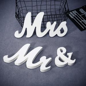 Image 4 - Houten Bruiloft Decoratie Letters Alfabet Woord Mr & Mrs Vrijstaande Wedding Party Decoratie Vintage Tafel Centrepie Decor