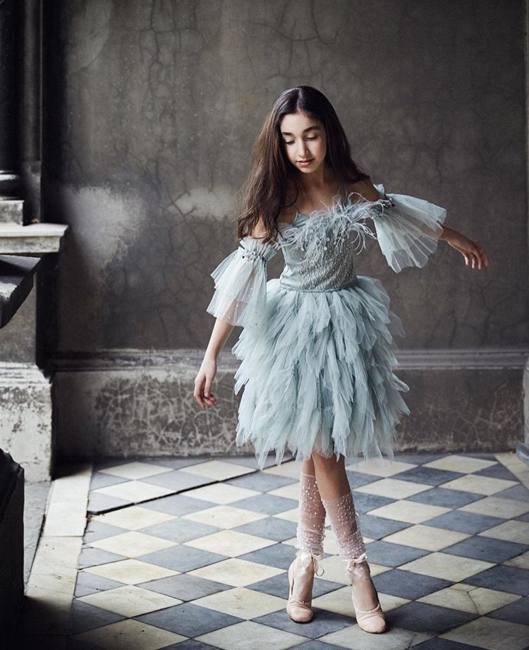 Hot Selling Dress Top Grade INS Queen Princess Style Feather Girls Formal One-piece Dress Birthday Skirt