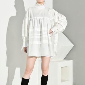 Image 4 - [EAM] 여성 주름 장식 분할 큰 크기 블라우스 새로운 스탠드 칼라 긴 소매 느슨한 맞는 셔츠 패션 봄 가을 2020 1D464