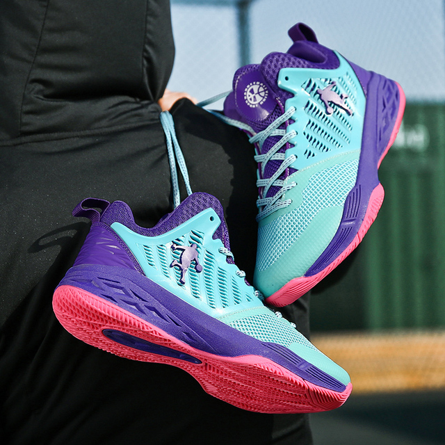 2019 New Mesh Breathable Basketball Shoes, Fashion Basketball Wear Sneakers Men,Flying Woven Upper Is Soft and Comfortable