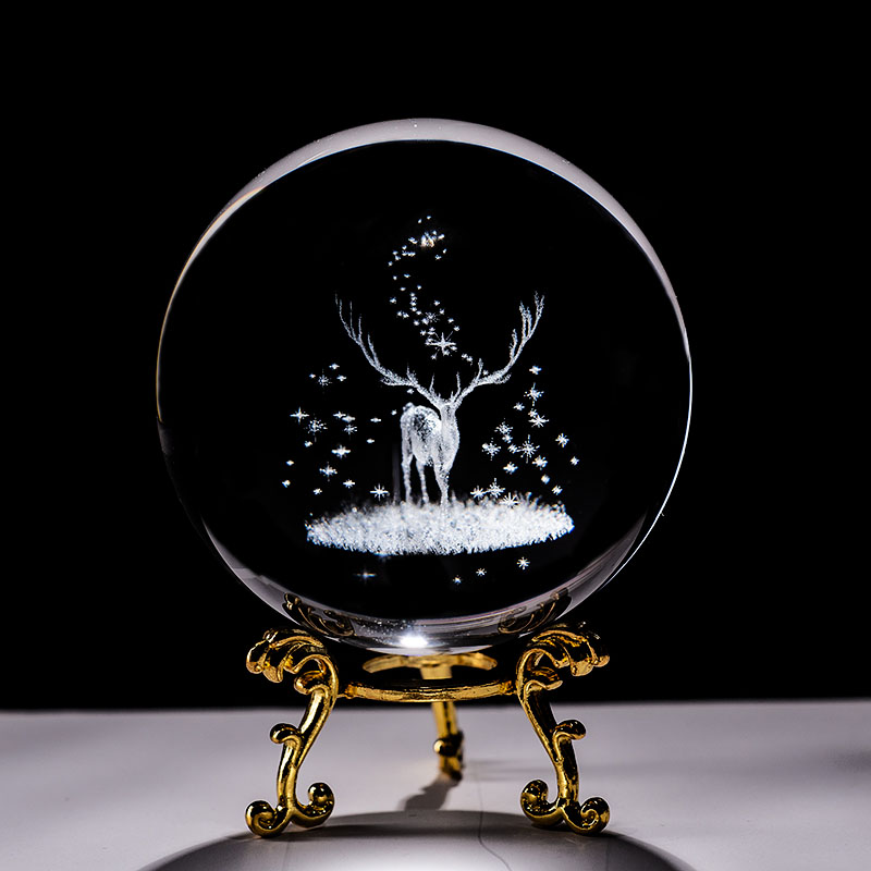 Crystal 3D Ball Laser Engraved Wapiti Miniature Glass Deer Sphere Paperweight Home Desk Decorative Ornament Birthday Dora Gifts